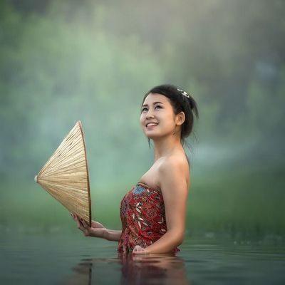 Quelle der Schönheit, streichelt all deine Sinne